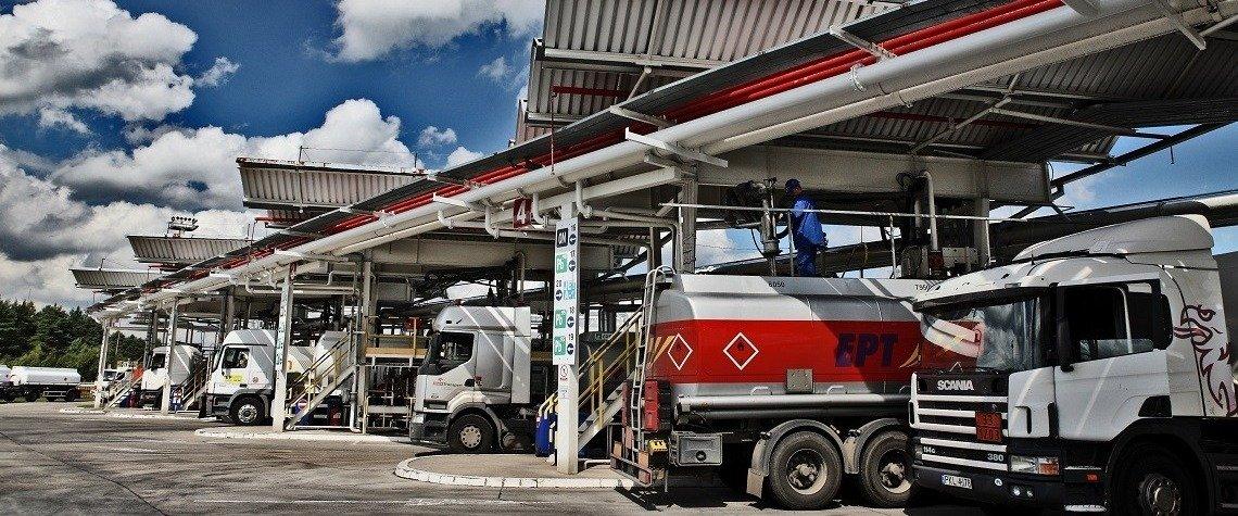 Już ponad stu przewoźników korzysta z nowoczesnego portalu do obsługi kierowców cystern w bazach paliw PERN