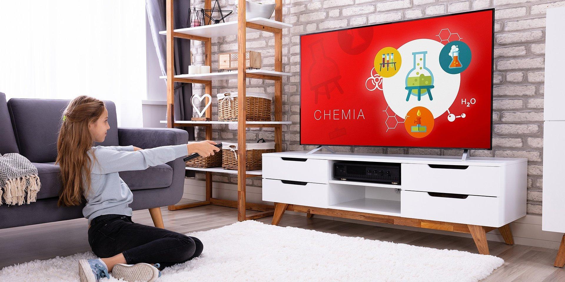 Małe, a tyle potrafią – kompaktowe Android TV od JVC i Hitachi do kuchni i łazienki