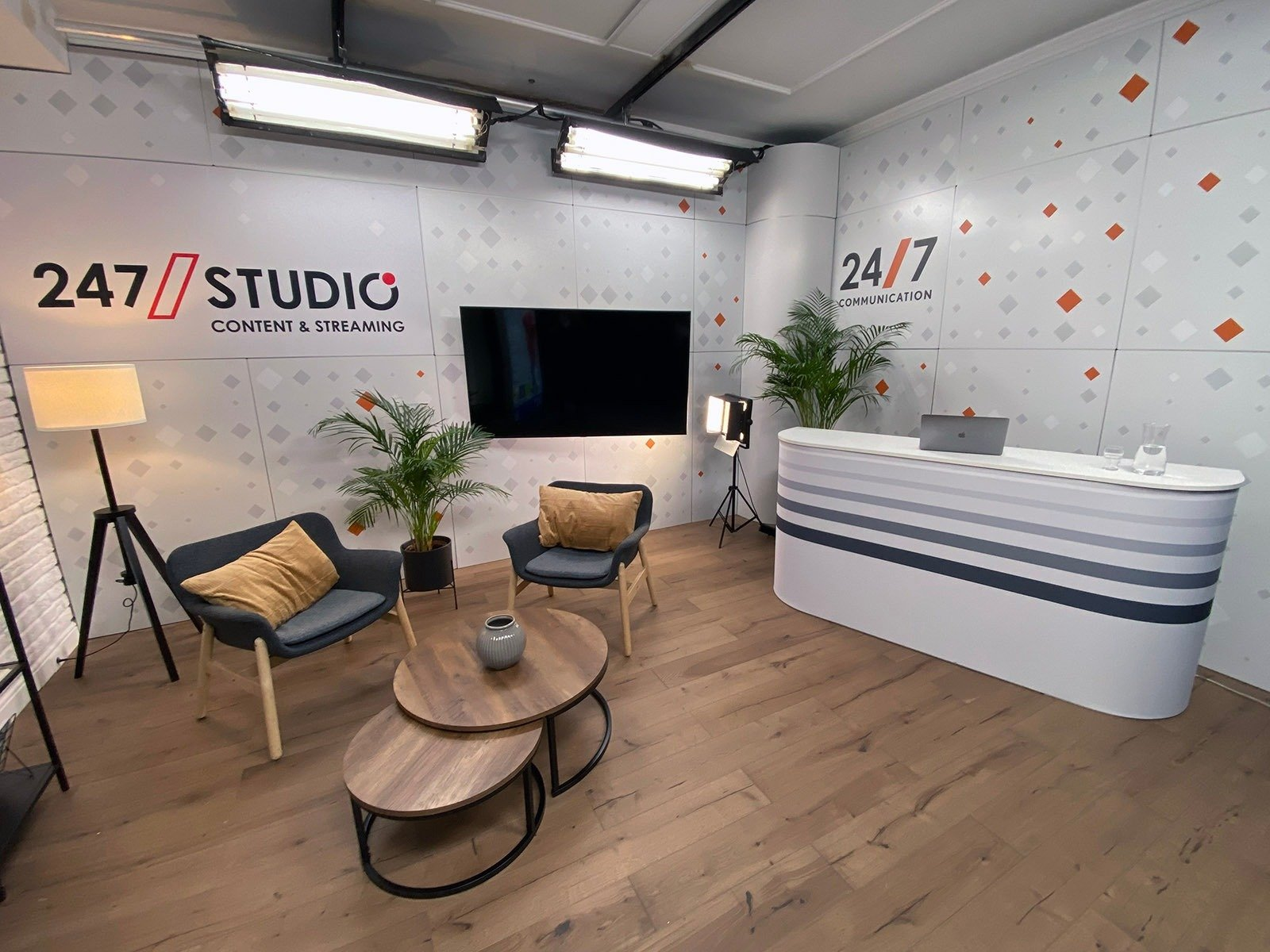 247Communication uruchamia swoje studio broadcastowe