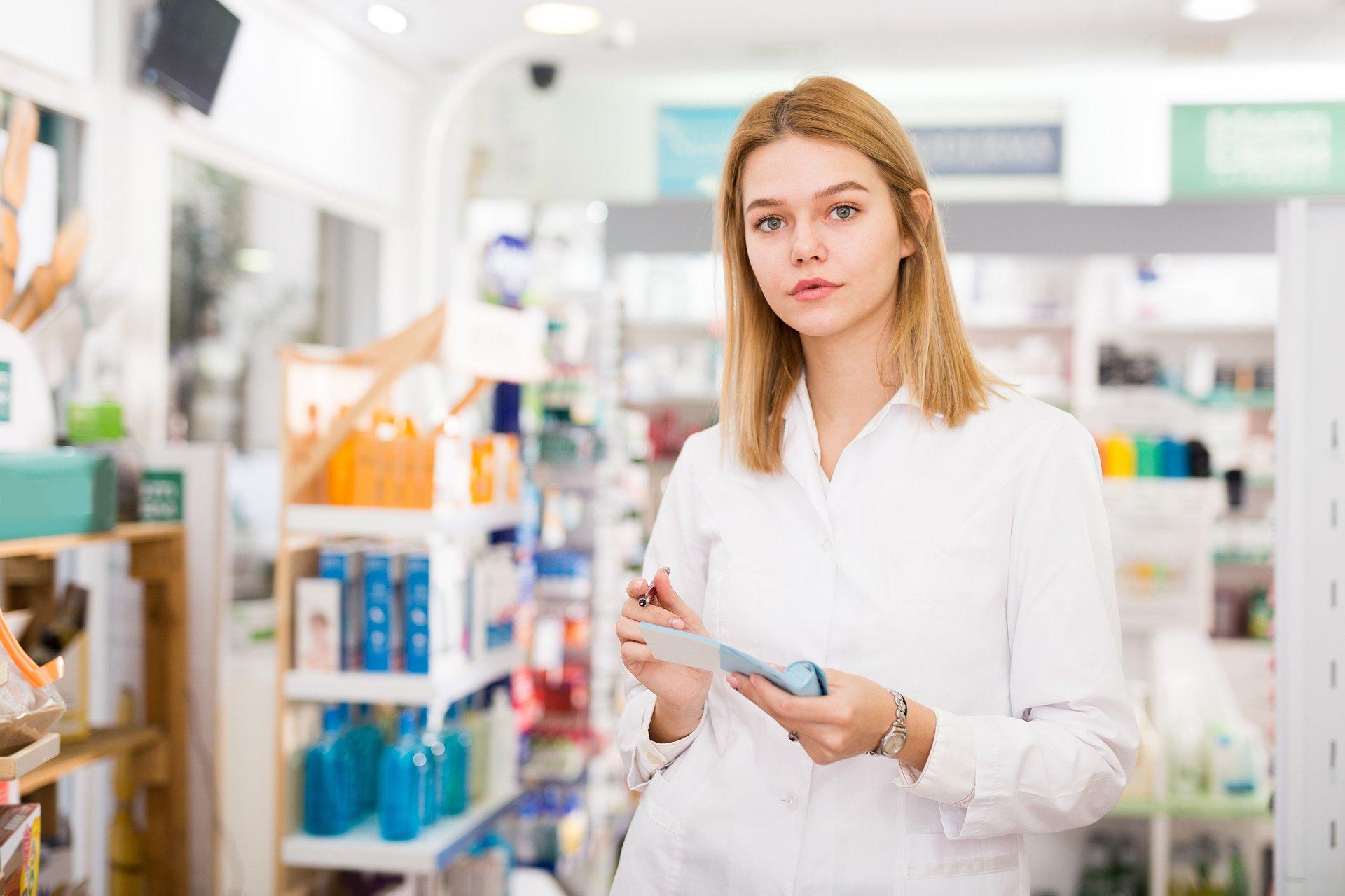 Ustawa o zawodzie farmaceuty - co zmieni w pracy aptekarza? Webinarowy Flesz [WIDEO]