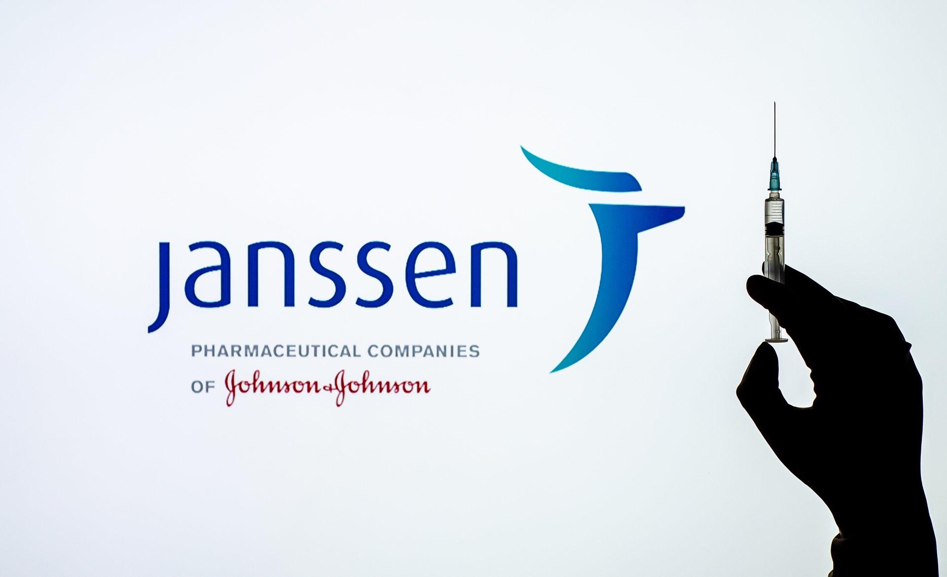 """Kolejne szczepionki przeciw COVID-19 na horyzoncie. Janssen """"numerem cztery""""?"""
