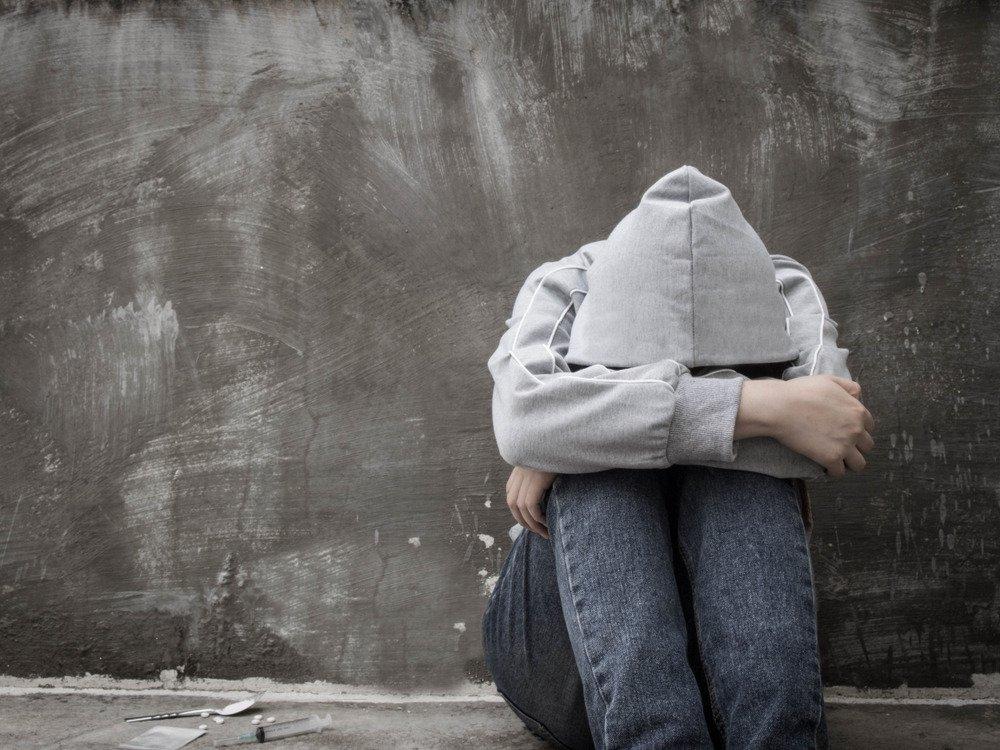 Kiedy ból fizyczny przynosi ulgę – jak rozpoznać, że dziecko się samookalecza?