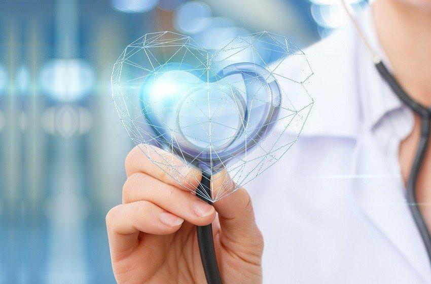 Como os hospitais e clínicas têm aprimorado a experiência do paciente?