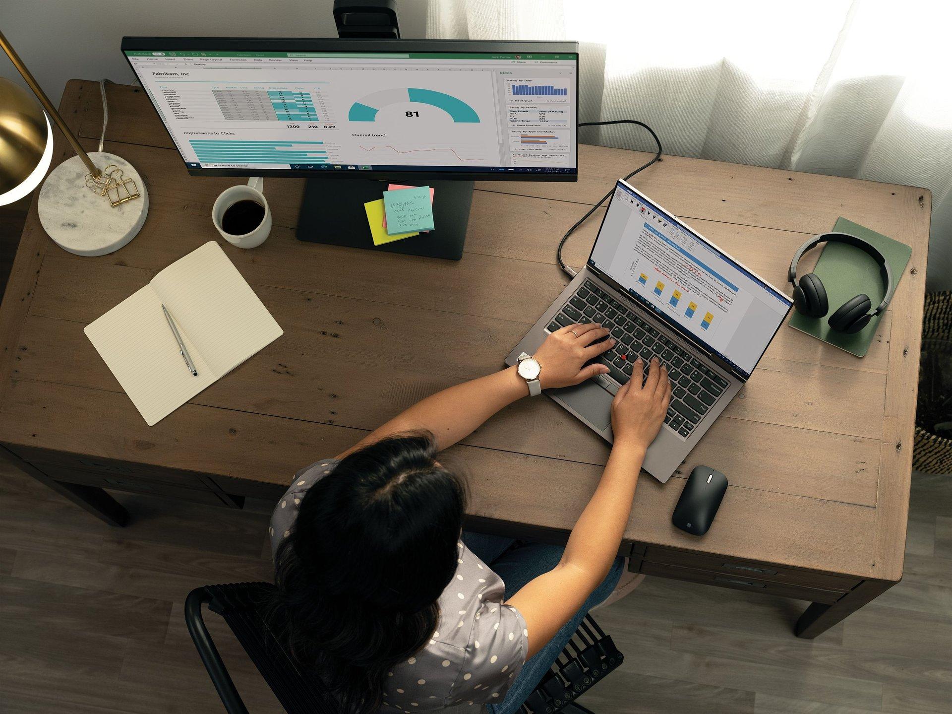 Microsoft revela tendências de trabalho um ano após modelo de trabalho remoto