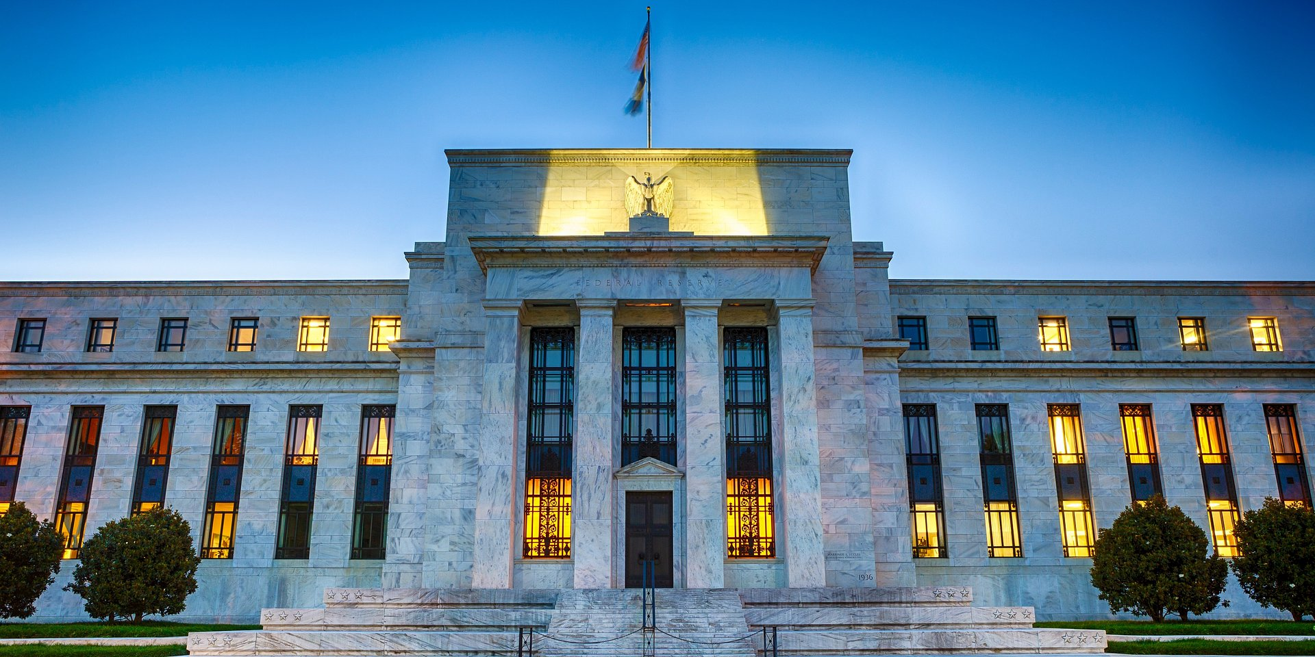 Prognozy dla stóp procentowych i walut (z komentarzem)