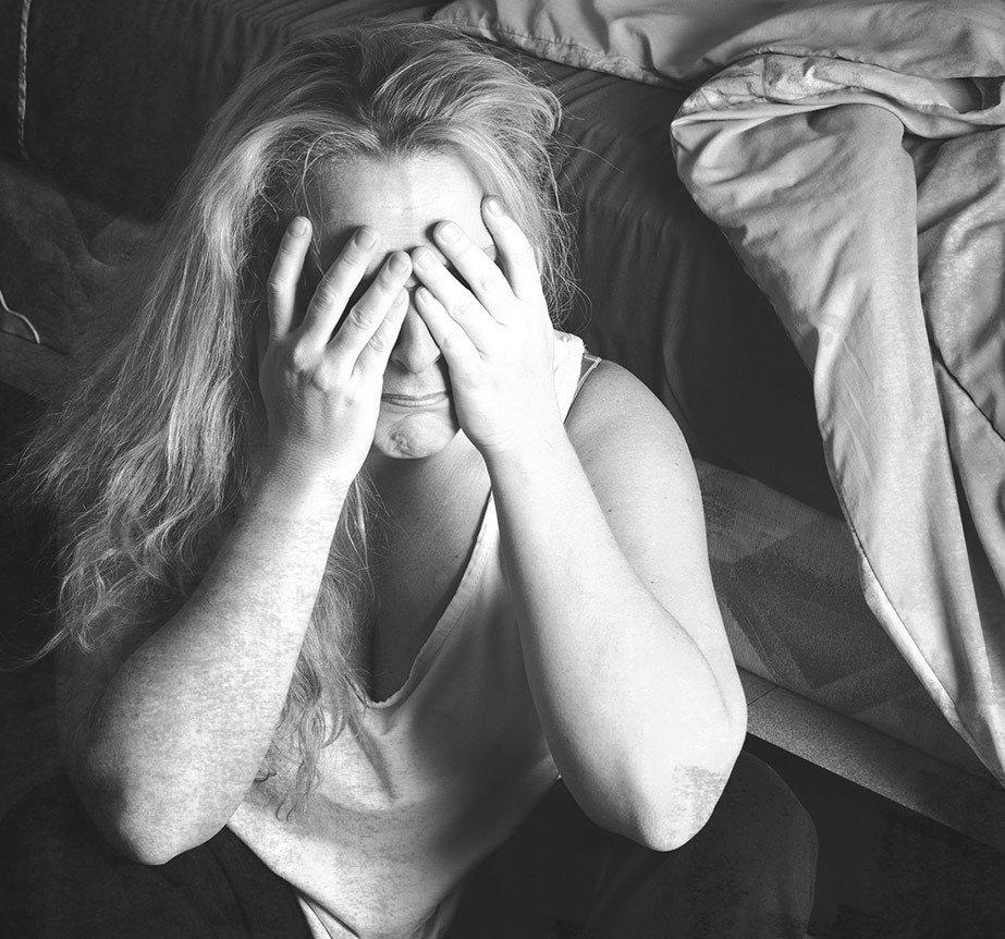 """""""Czy ktoś zauważy, jak umrę?"""" Rok w pandemii – Szlachetna Paczka publikuje Raport o Samotności rok później"""