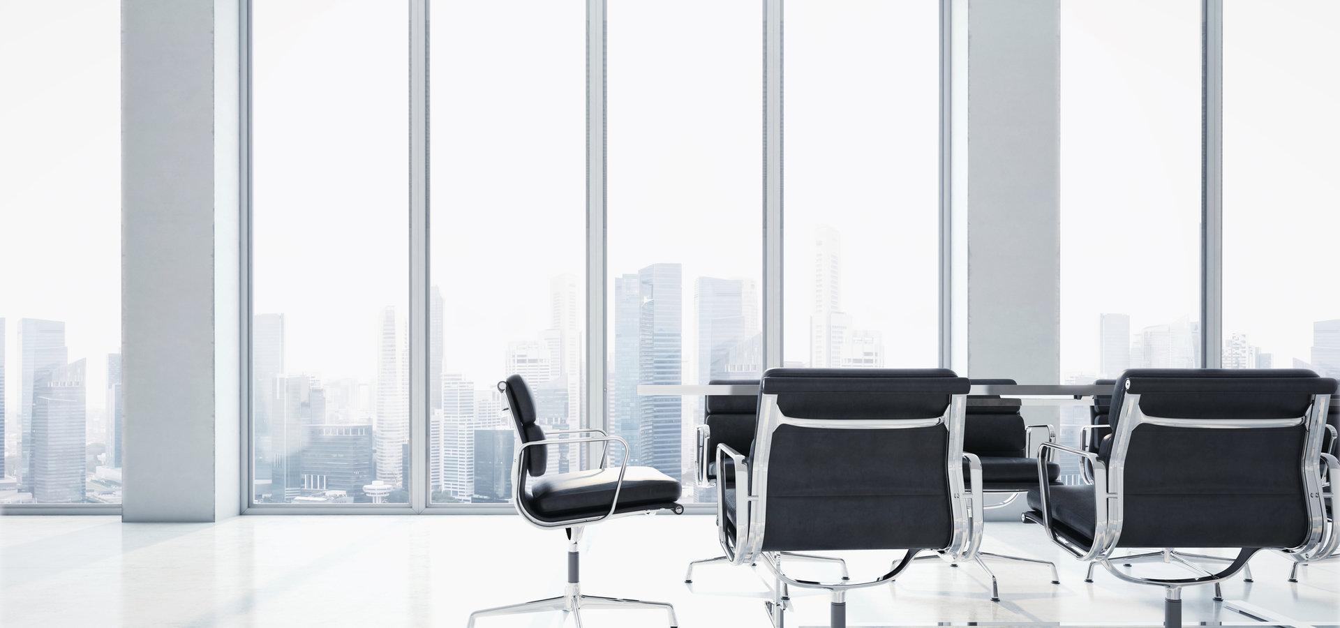 Oświetlenie biura – na co zwrócić uwagę?