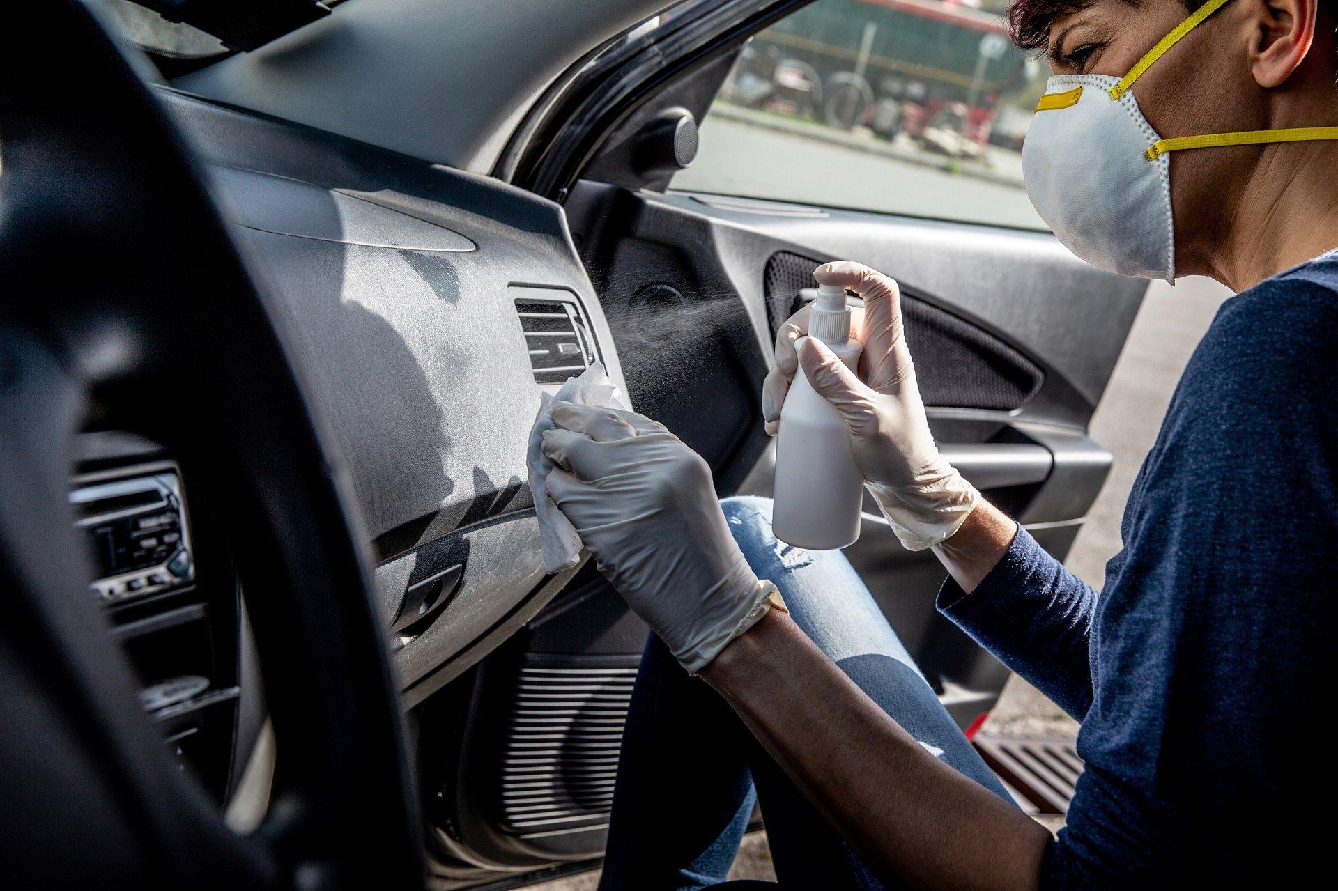 Wiosenne porządki z Würth Polska. Jak skutecznie wyczyścić wnętrze auta?