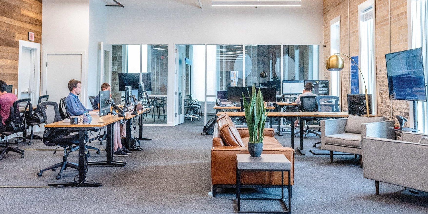 Developeři kancelářských budov v Praze změnili termíny – plány na výstavbu zatím nikoliv