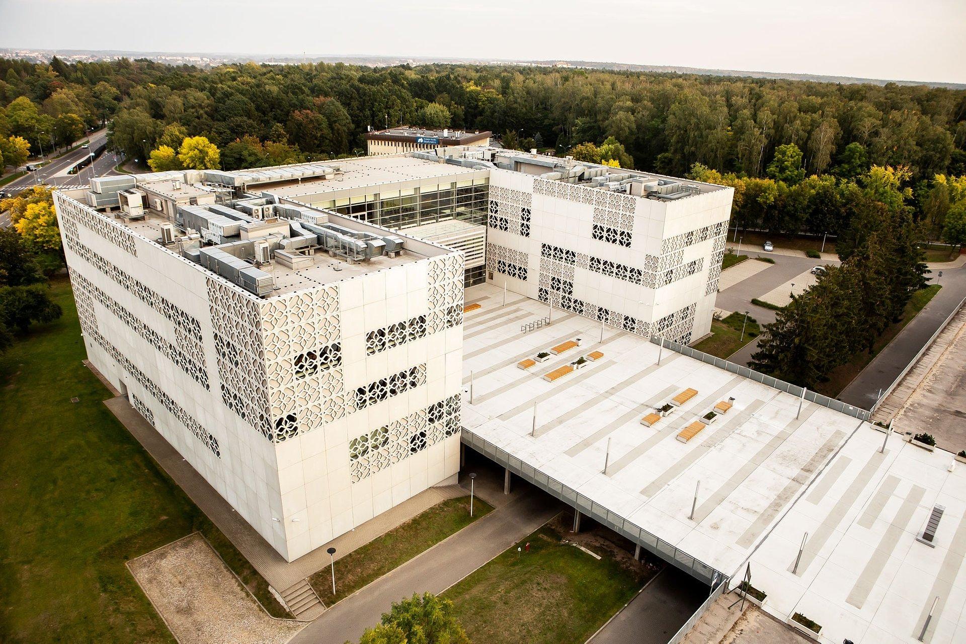 Białystok coraz bardziej dostępny dla osób słabosłyszących. Politechnika Białostocka oraz Muzeum Pamięci Sybiru z pętlą indukcyjną