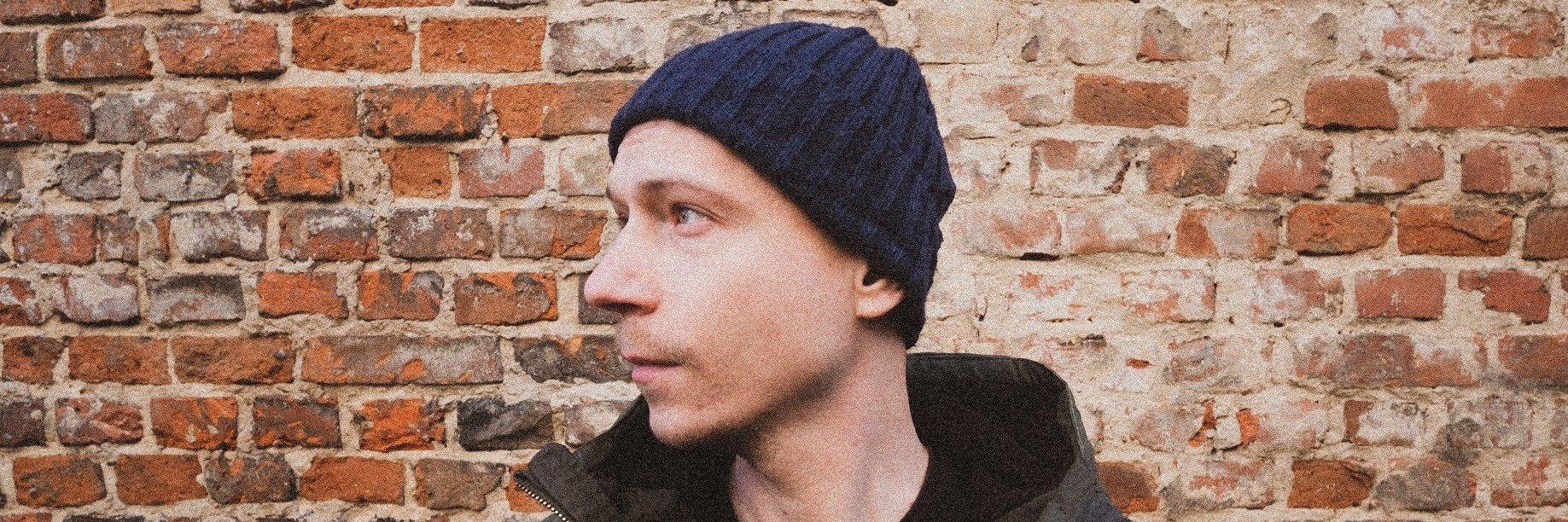 """Jakub Skorupa """"Wypowiedzenie z korpo"""" napisał wierszem, żeby robić muzykę"""