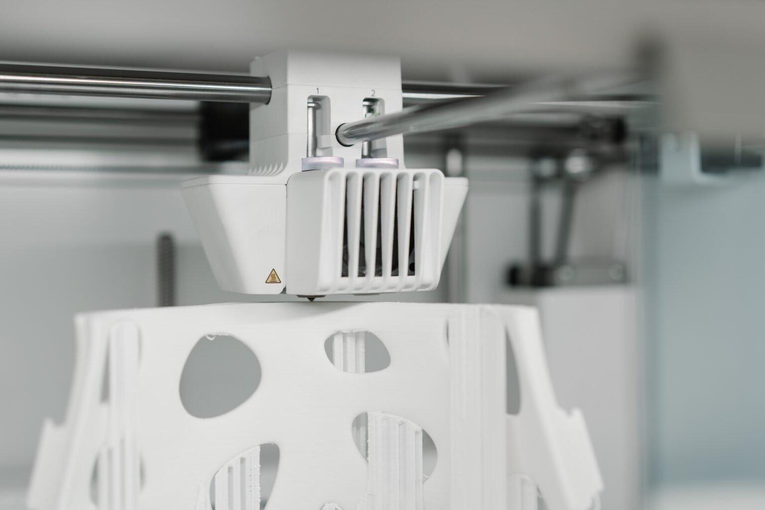 Jak wykorzystać druk 3d na co dzień? Adidas x Carbon case study.