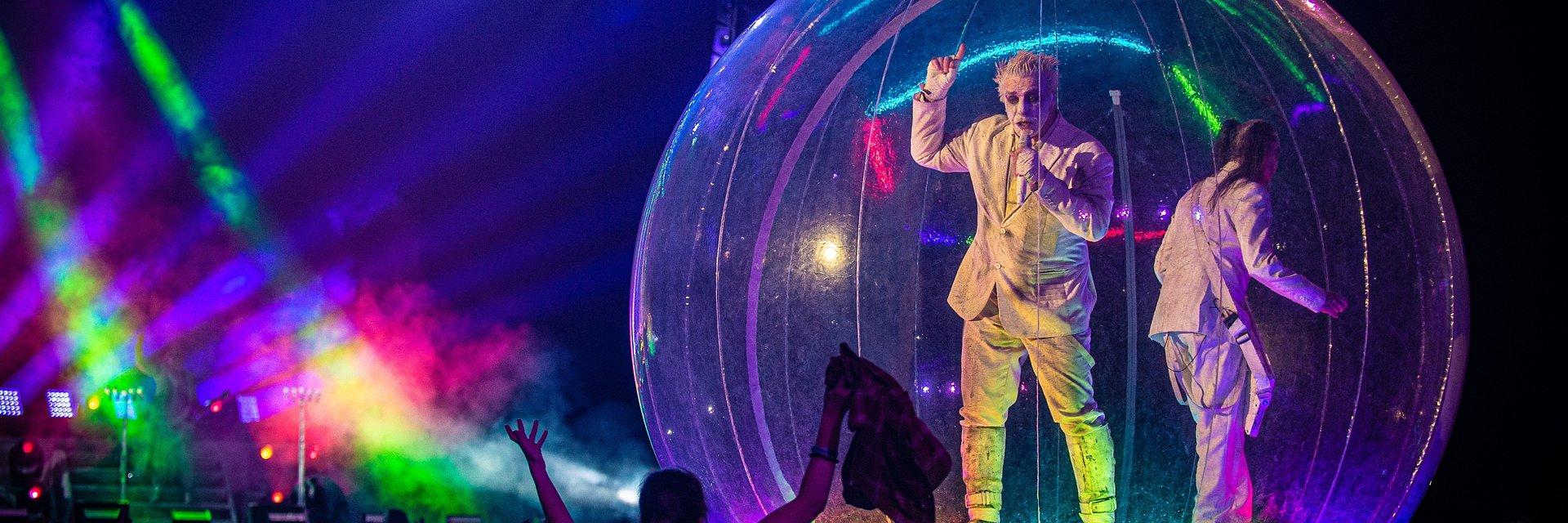 """Wokalista RAMMSTEIN wydaje """"Live in Moscow"""" – jeden z ostatnich wielkich koncertów przed COVID-19"""