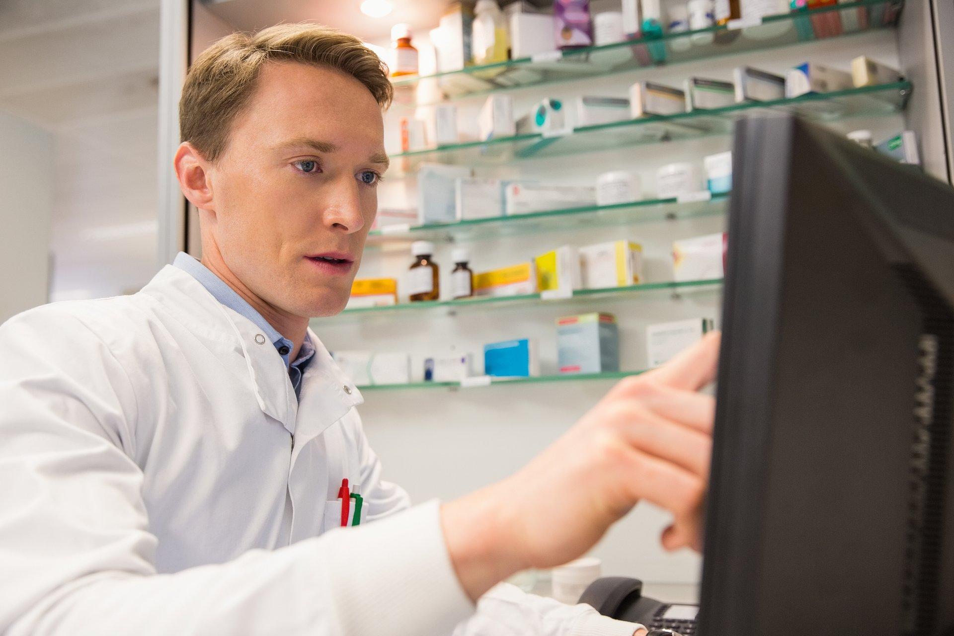 """Kontrowersyjne odpowiedzi GIF na pytania o UoZF. Farmaceuci: """"nadintepretacja"""" i """"absurd"""""""