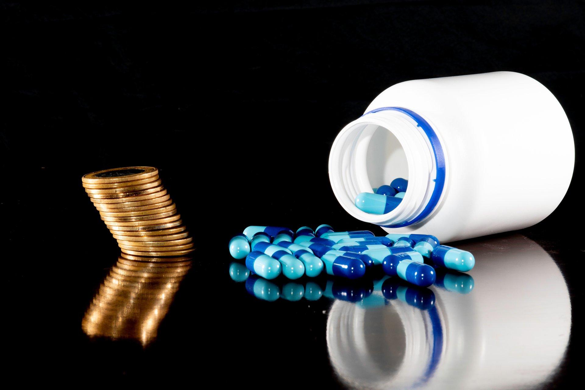 Refundacja leków, negocjacje cenowe i marże apteczne na biurku ministra