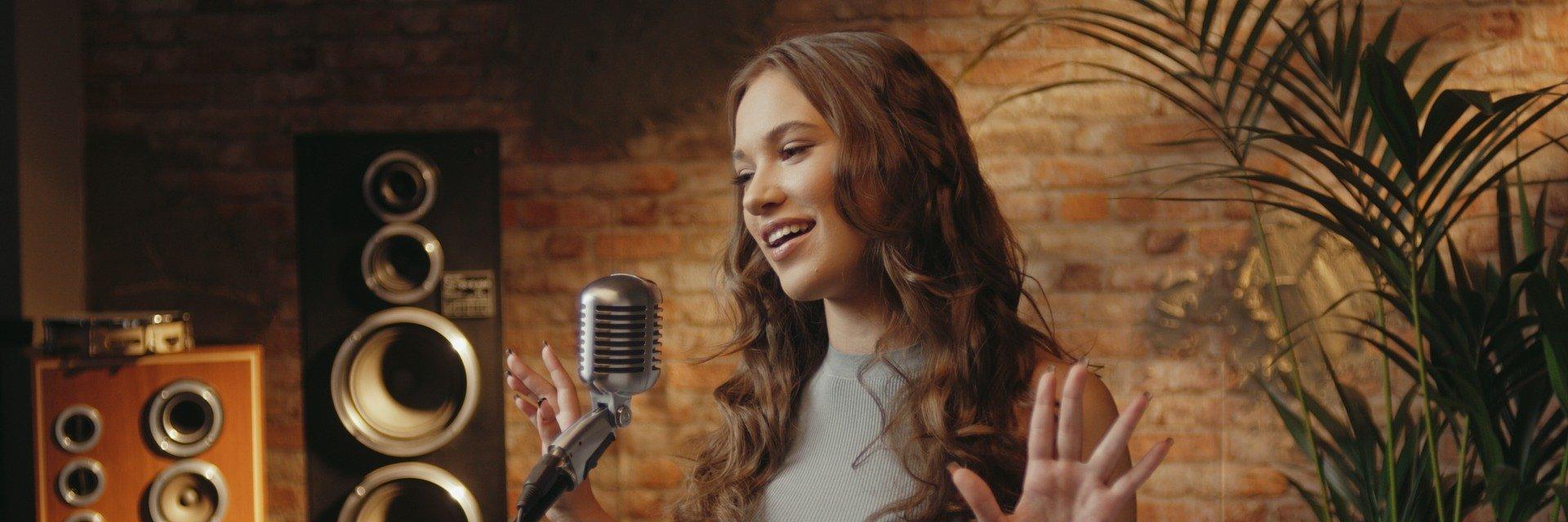 ALICJA, czyli Alicja Szemplińska ze specjalną piosenką z okazji Wielkiego Święta Księżniczek Disneya!