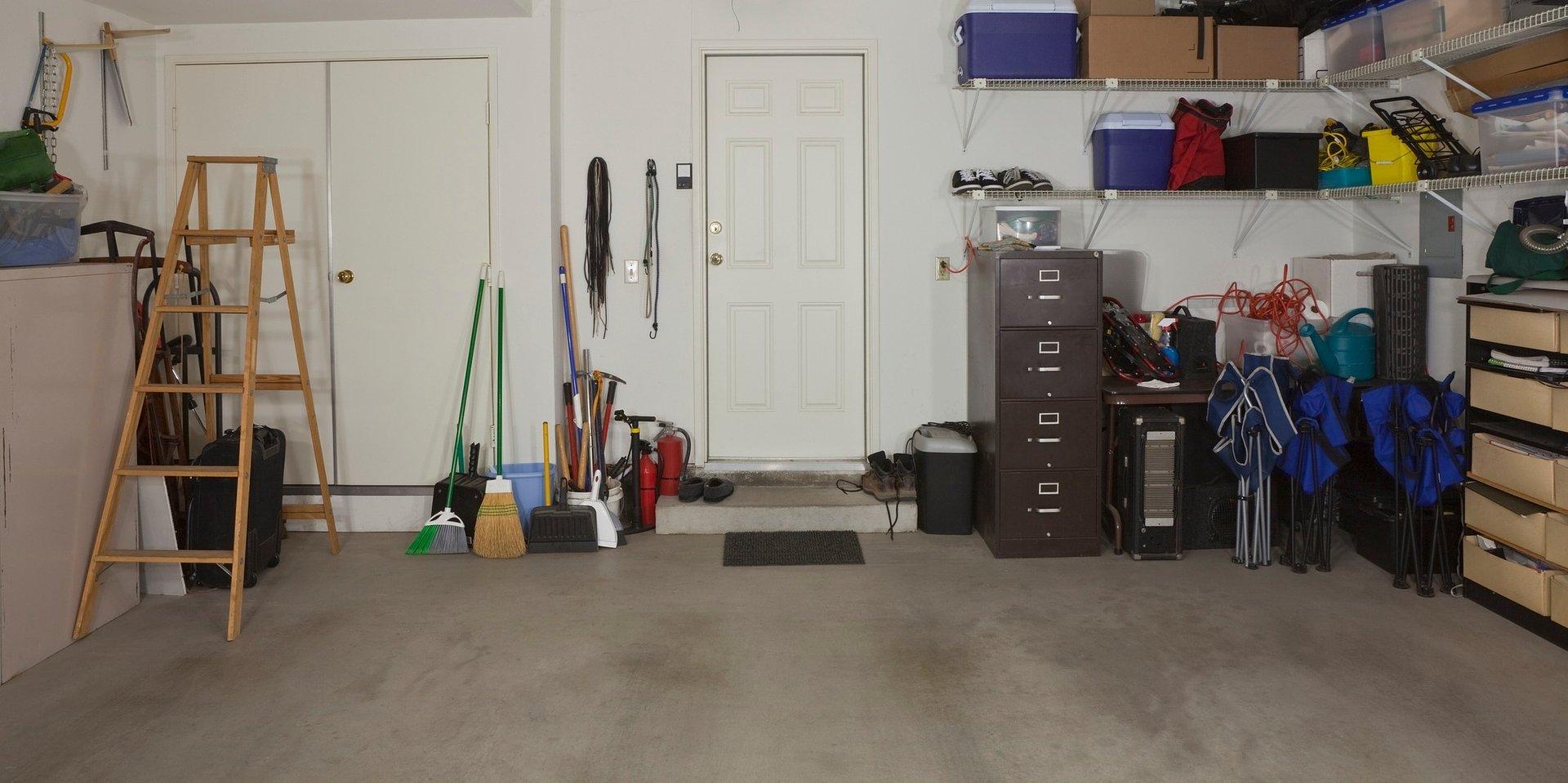 Oświetlenie piwnicy i garażu - co musisz wiedzieć