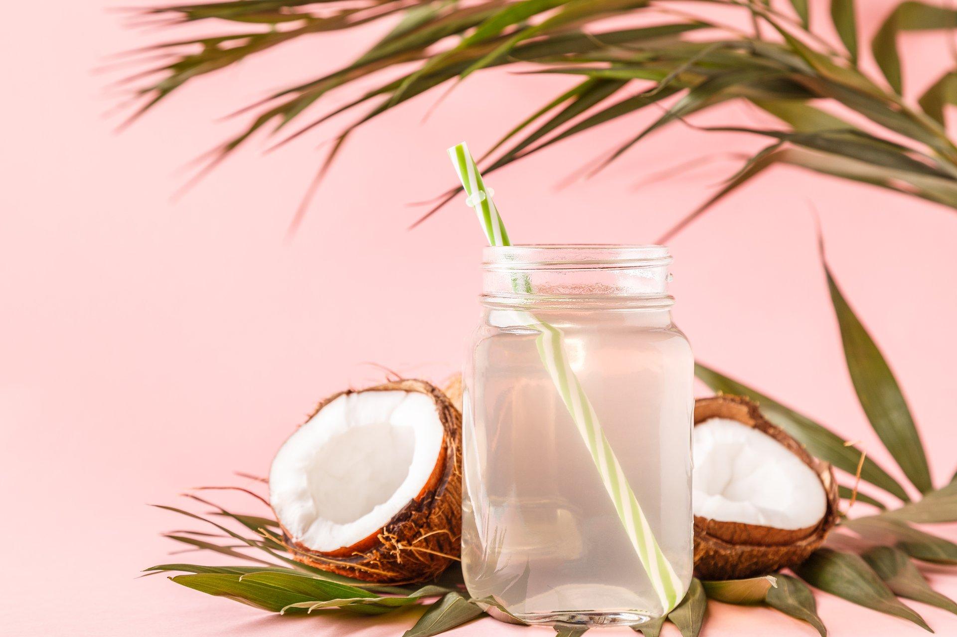 Woda kokosowa - nektar zdrowia i młodości. Sprawdź jak działa ten cudowny napój!