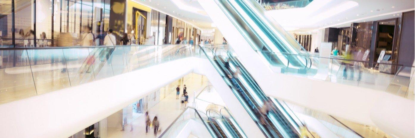 Polacy rzucili się na centra handlowe. Odwiedzalność o połowę wyższa niż rok temu