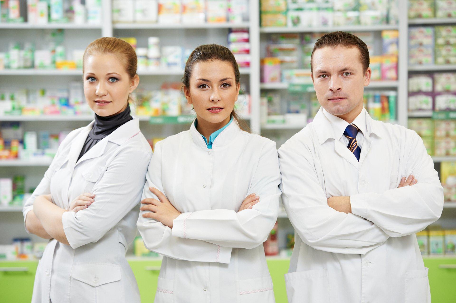 Farmaceuci i szczepienia w aptekach. Co z grypą i innymi chorobami?