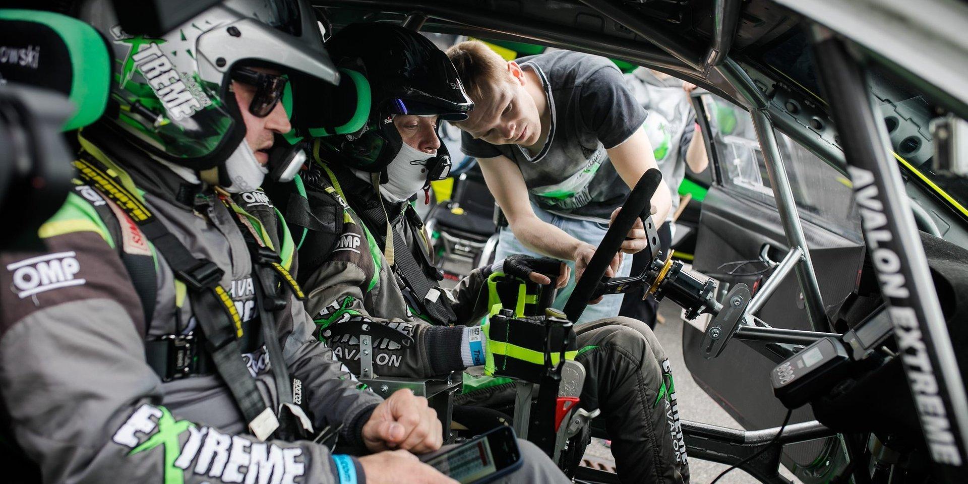 Milowy krok w motorsporcie! Zespół Avalon Extreme Racing zadebiutował na legendarnym włoskim torze wyścigowym Monza!