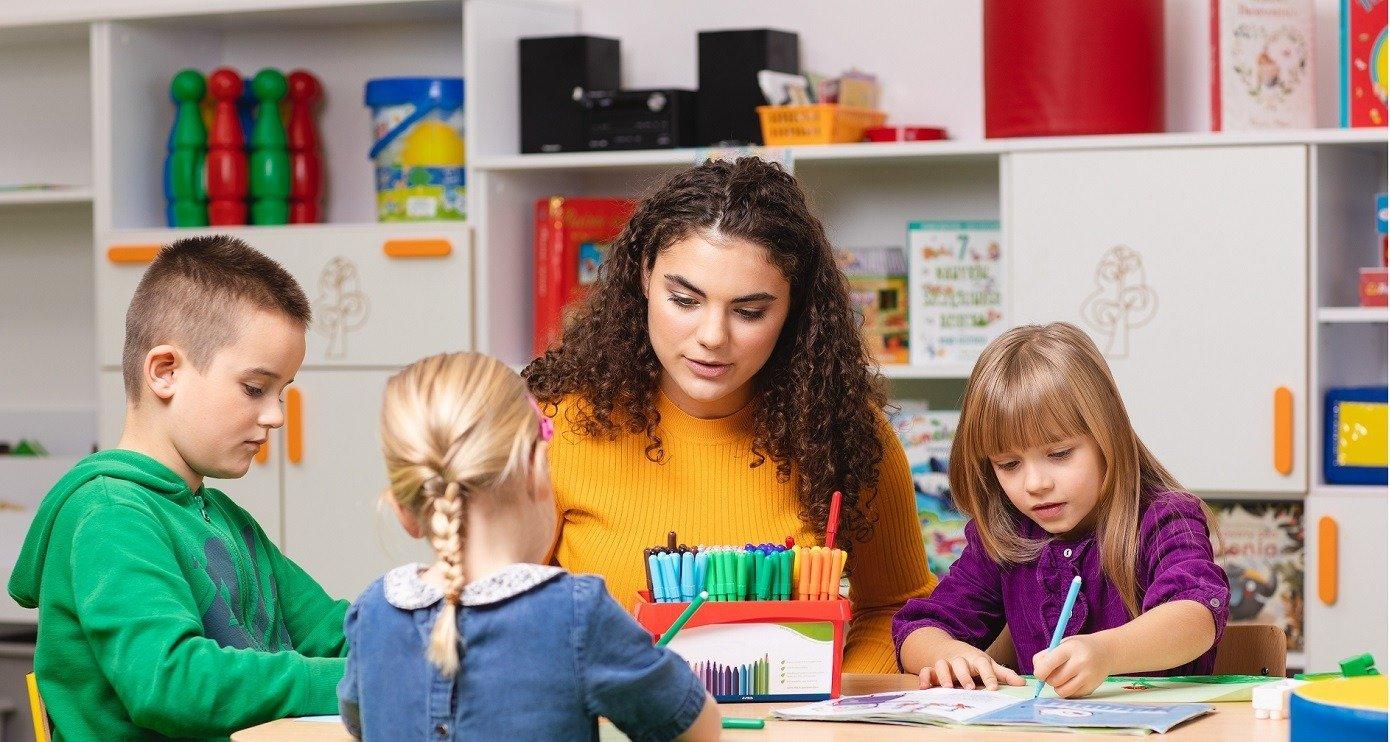 Pedagogika specjalna, wczesnoszkolna czy ogólna?Zobacz, dlaczego wybrać te kierunki studiów w DSW