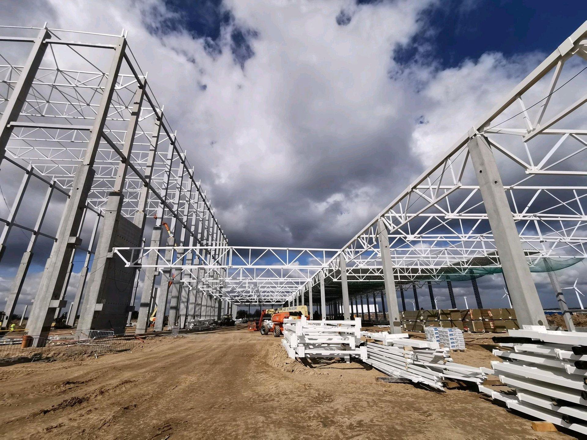 RTE – biznesowy partner Decathlonu buduje nad Wisłą fabrykę rowerów