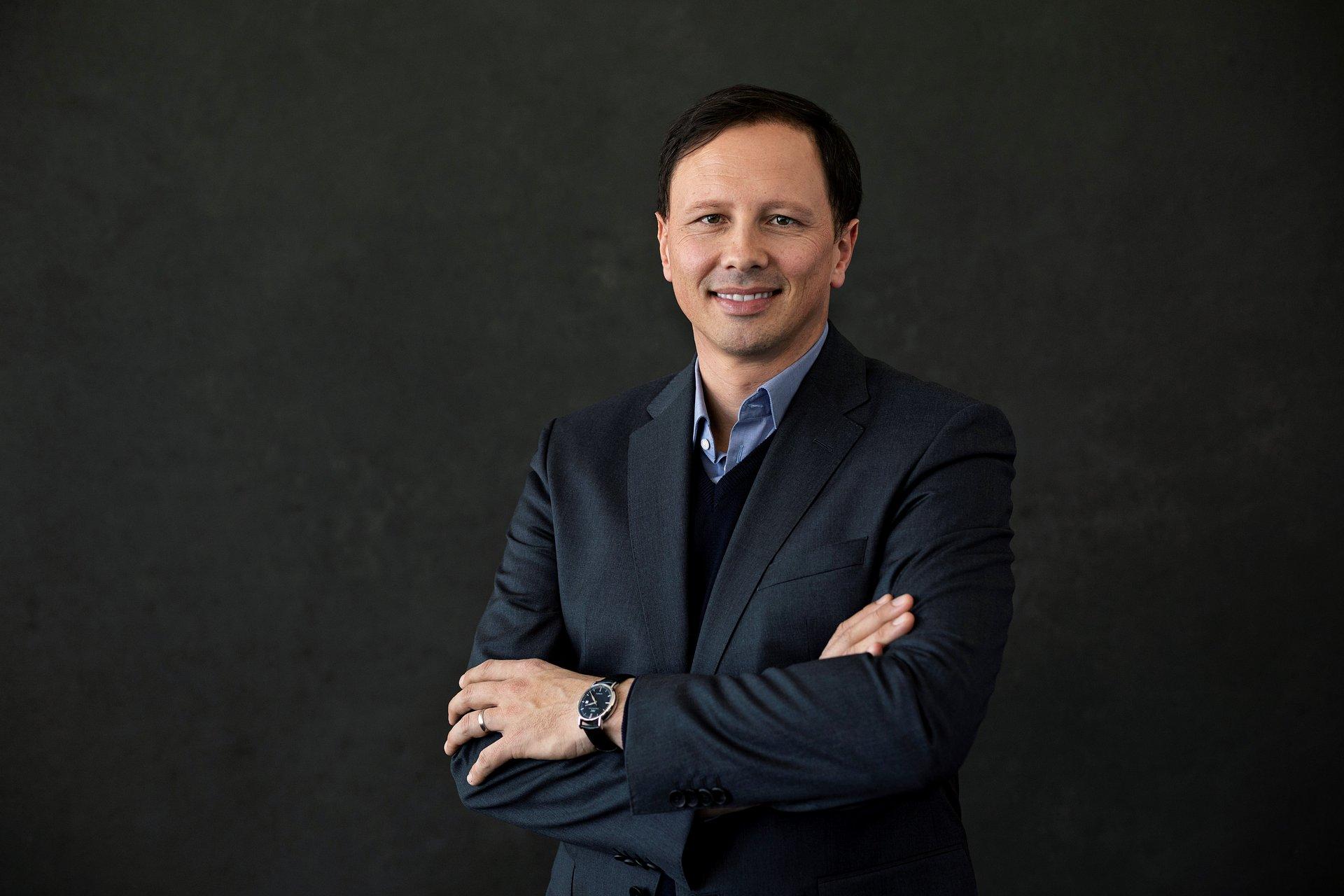 PETER GRASCHI NOMMÉ NOUVEAU CEO D'ARENA APRÈS LE DÉPART DE LUCA SELVATICI
