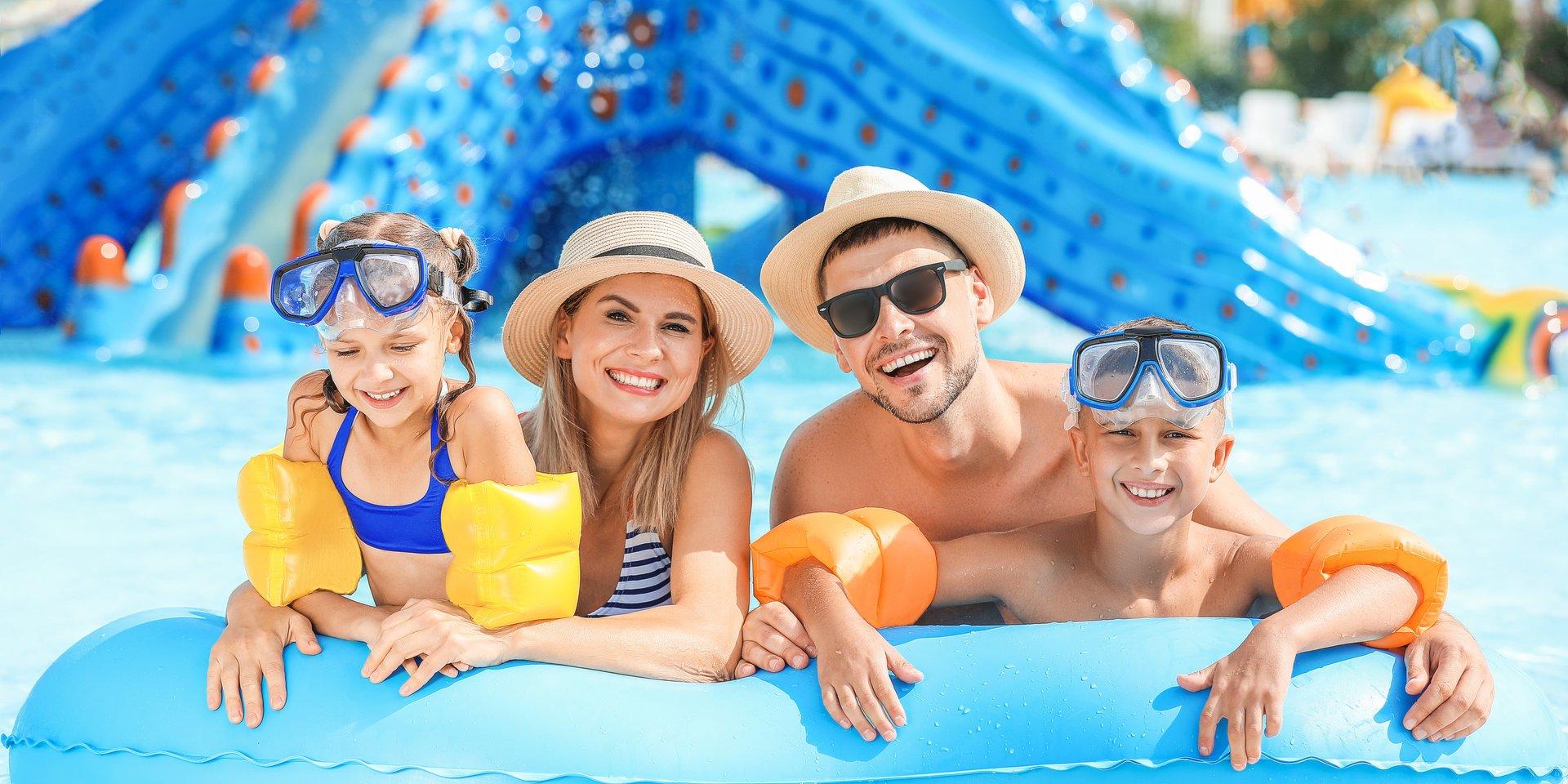 Palmy, morze i all inclusive – Polacy powracają do swoich wakacyjnych zwyczajów