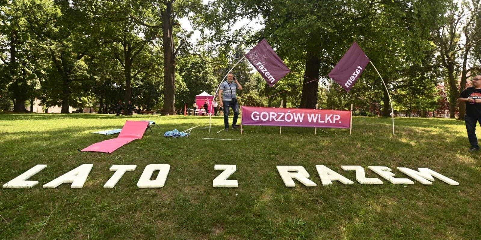 Zandberg w Gorzowie: Nie dajmy cofnąć polskiej szkoły do średniowiecza