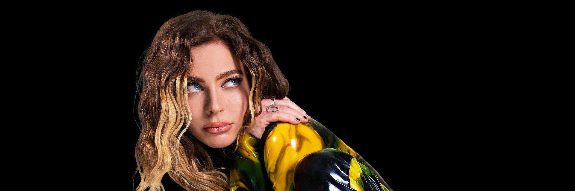 """Utalentowana Amber van Day zabiera na parkiet w nowym singlu """"Touch"""""""