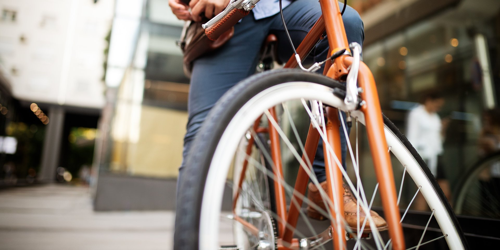 Wybierasz się na wycieczkę rowerową Zadbaj o kask