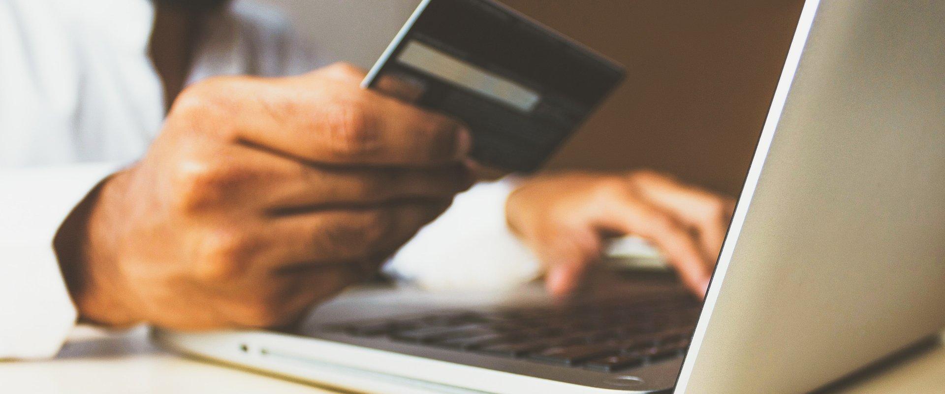 15 niezbędnych funkcji dla witryn e-commerce