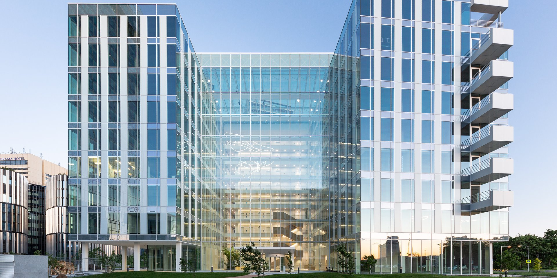 Investice do nemovitostí oživují. Nejvíce lákají kanceláře, sklady a retailové parky