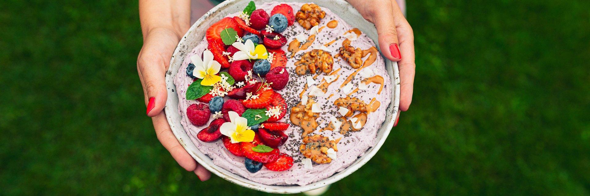 Smoothie bowl z jagody kamczackiej