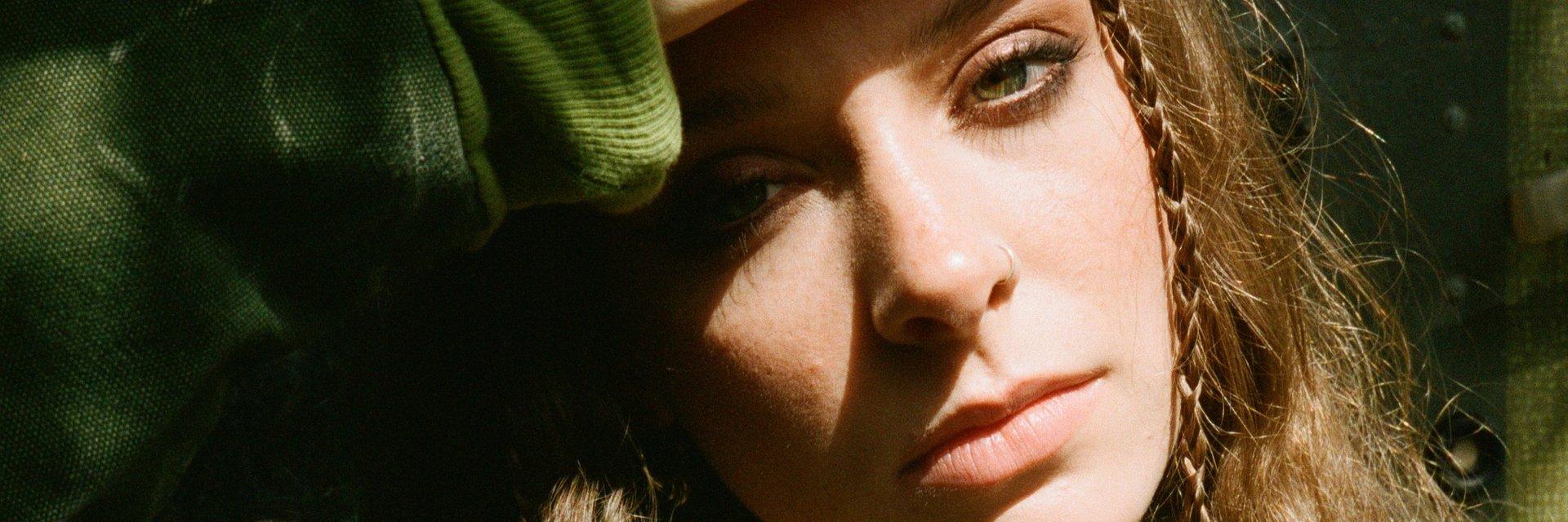 Holly Humberstone napisała utwór z Mattym Healym z The 1975