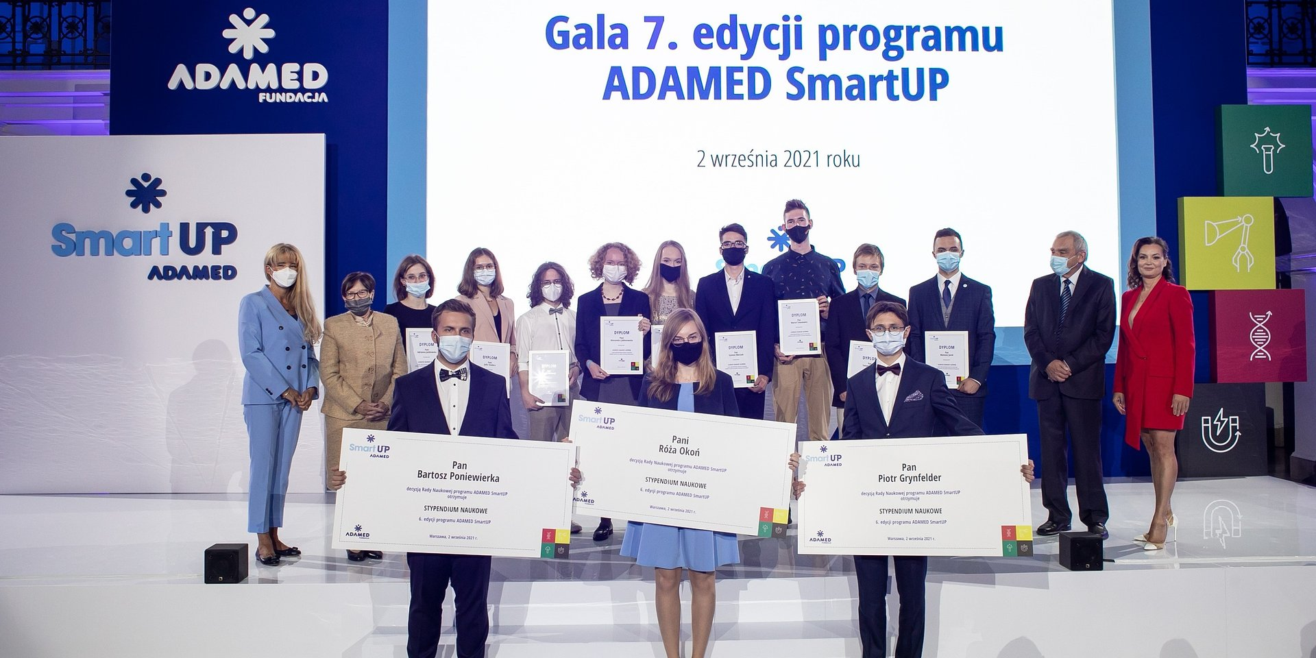 Młodzi, zdolni, ambitni – znamy laureatów nagrody głównej 7. edycji programu ADAMED SmartUP