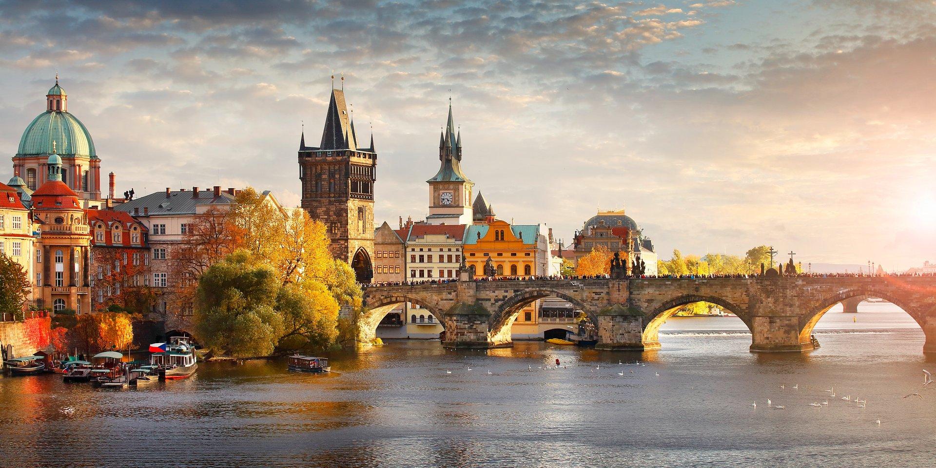 Czechy: CNB zaskakuje i podwyższa stopy o 75 pb.