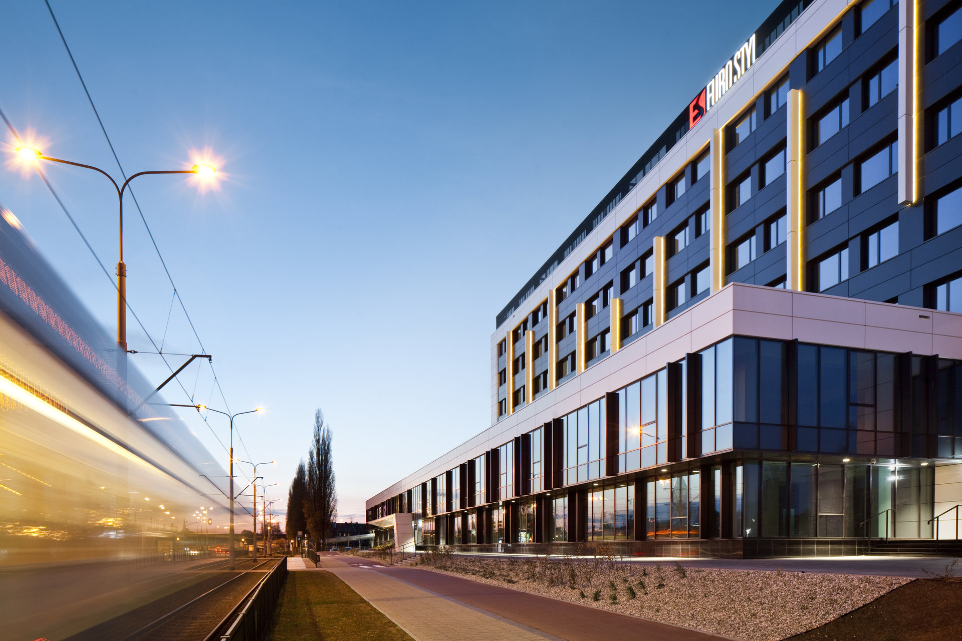 BNP Paribas Real Estate Poland introduces programmers to a Gdańsk office building