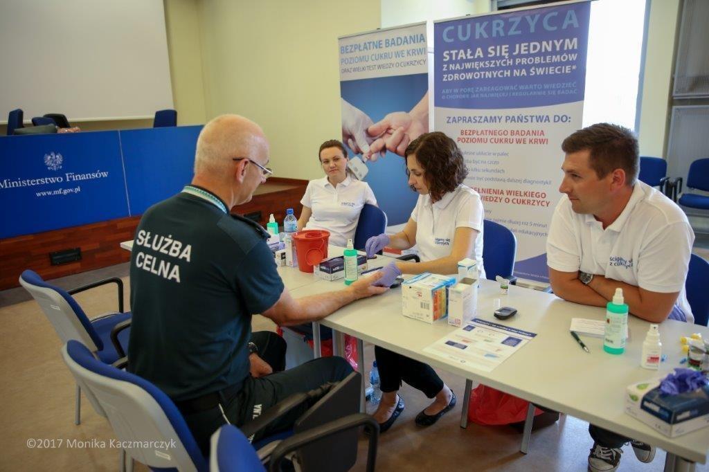 Badania poziomu cukru we krwi i Wielki Test Wiedzy o Cukrzycy w ministerstwach