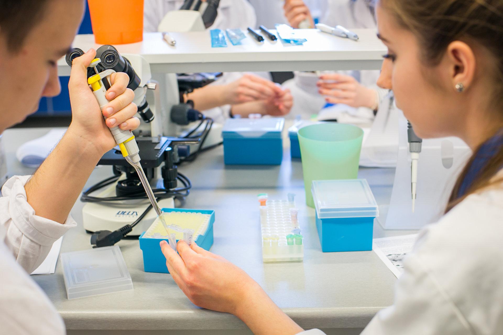 Nauka bez tajemnic – rusza ADAMED SmartUP Academy współorganizowane z Wydziałem Chemicznym Politechniki Warszawskiej