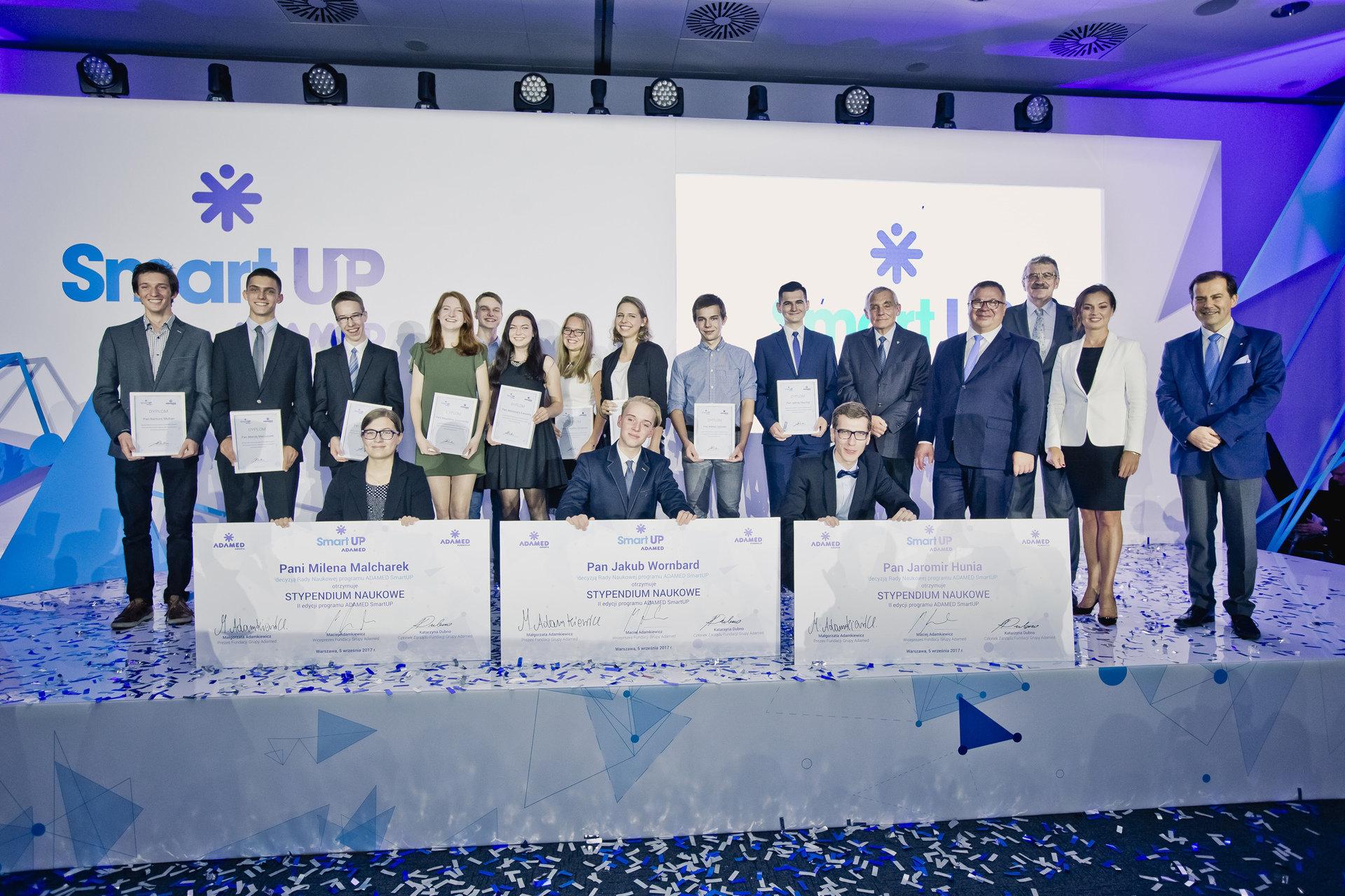 10-ciu najzdolniejszych uczniów z całej Polski z szansą na naukowe kariery