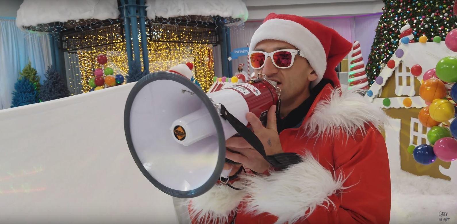 Jak robić świąteczny content z influencerami? - Casey Neistat style