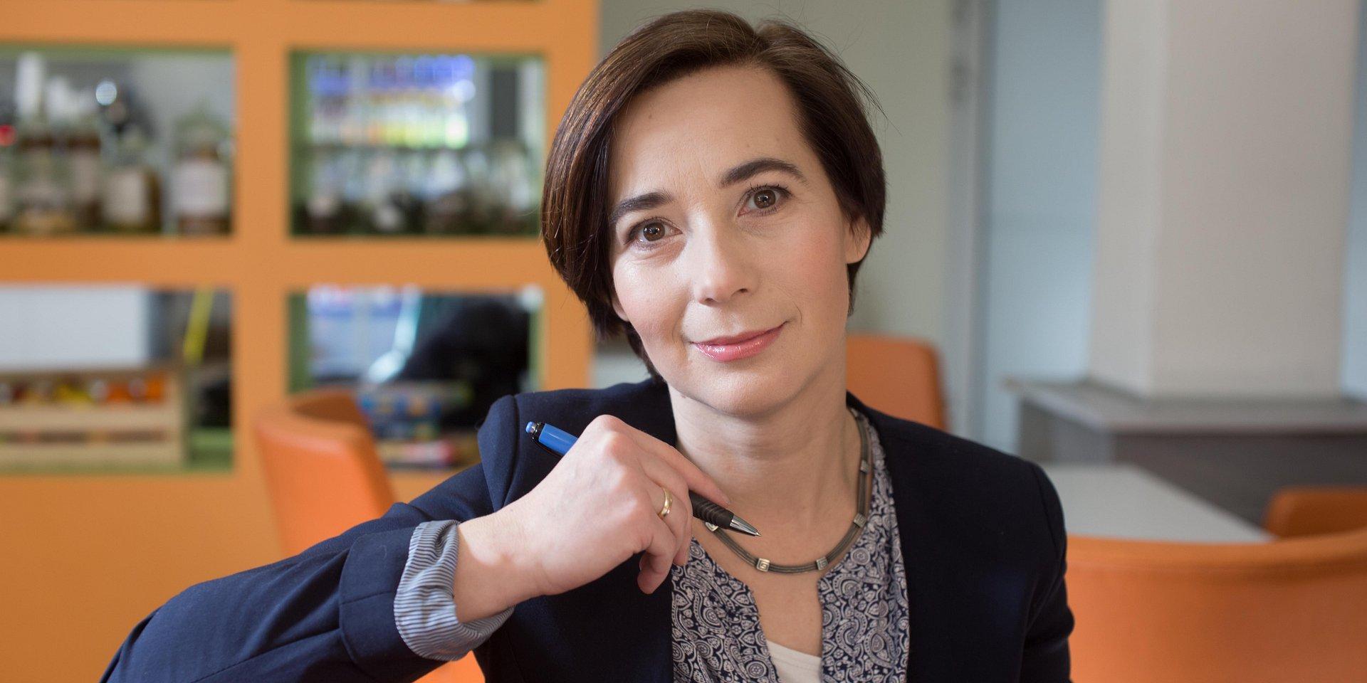 zarządzanie: dr hab. Agnieszka Springer