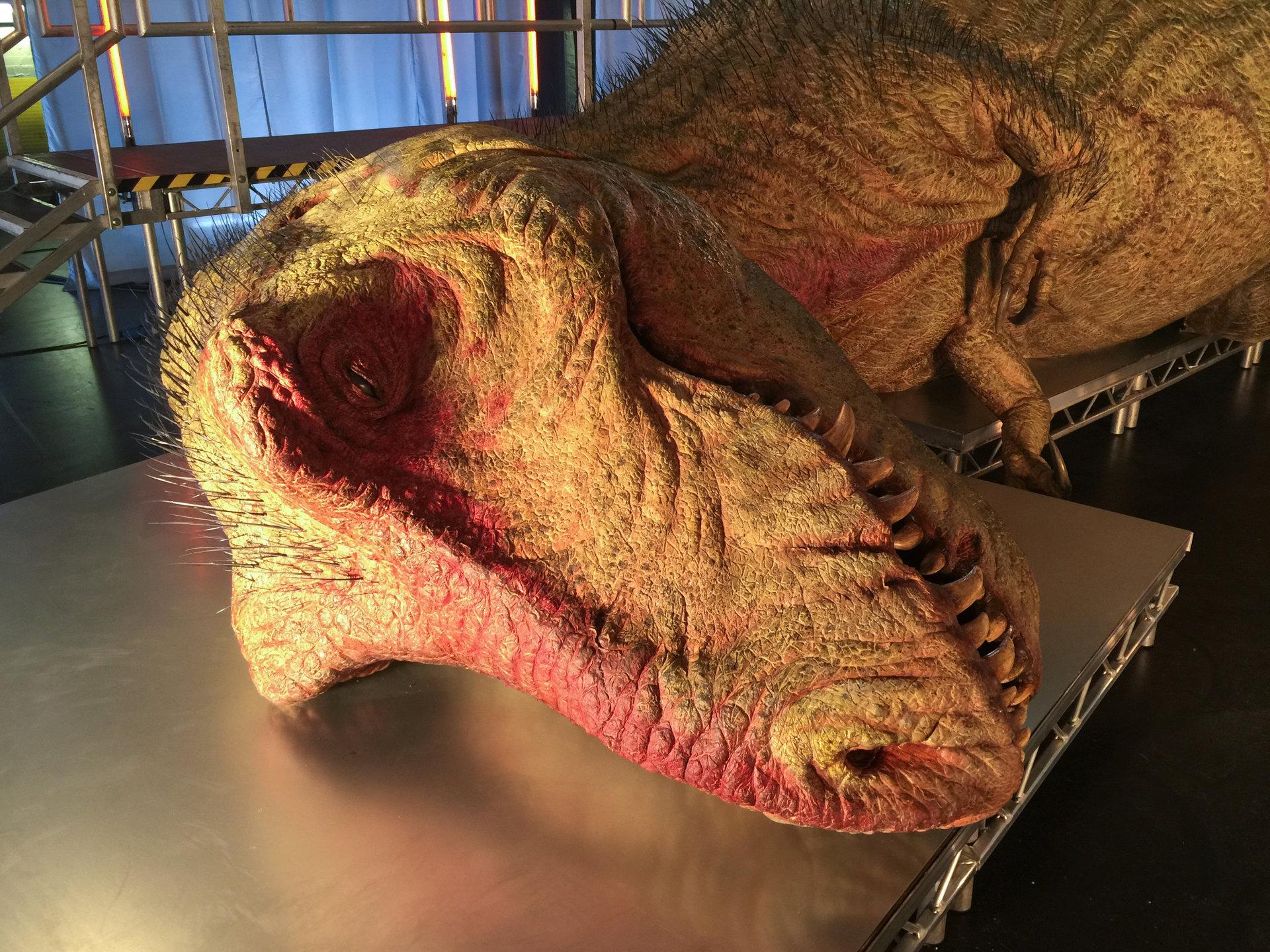 """Spójrz w oczy bestiom sprzed milionów lat. Blok programowy """"Dinozaury pod lupą"""" w lutym na kanale National Geographic"""