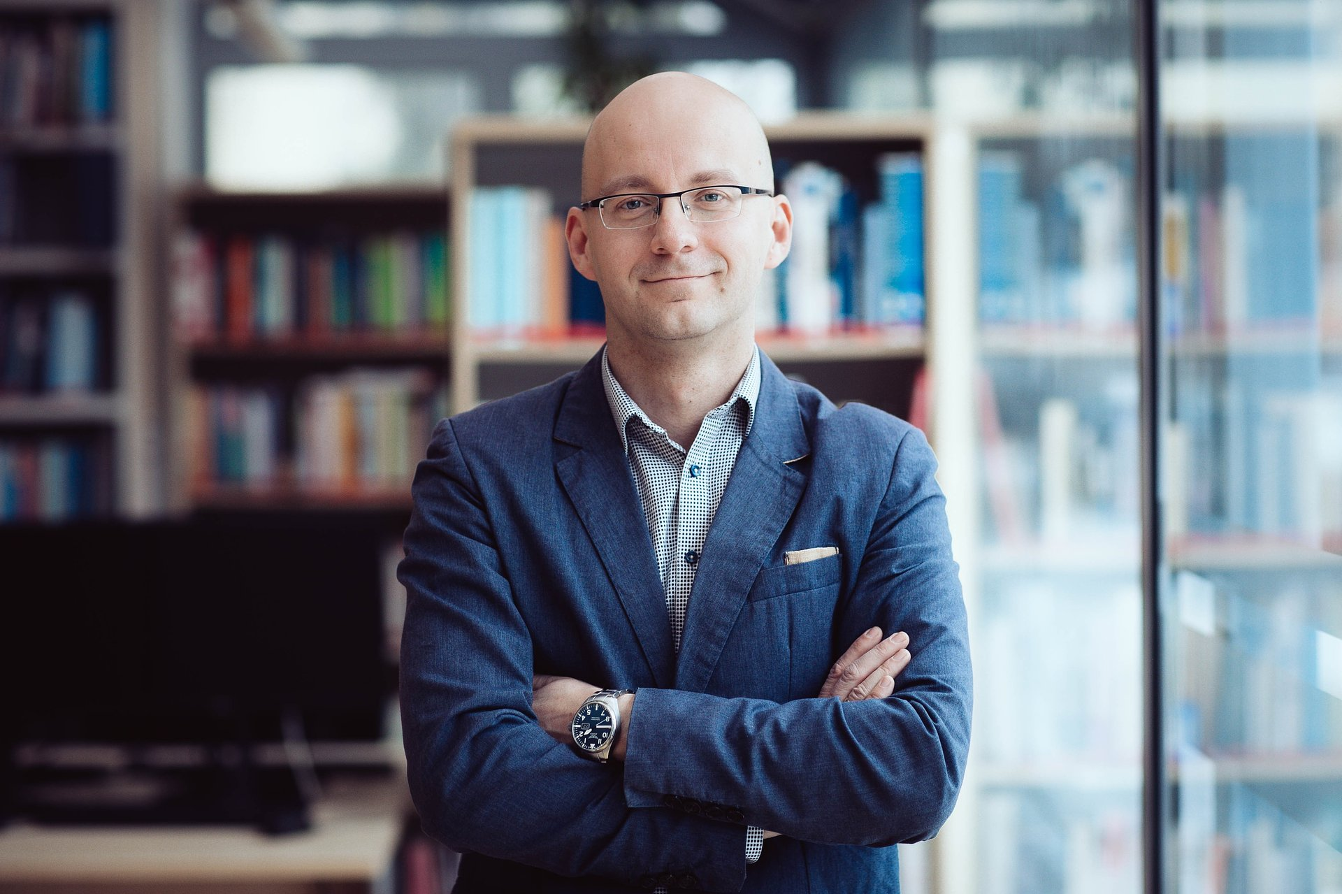 ekonomia/finanse/ ubezpieczenia/ przestępczość gospodarcza:dr Piotr Majewski