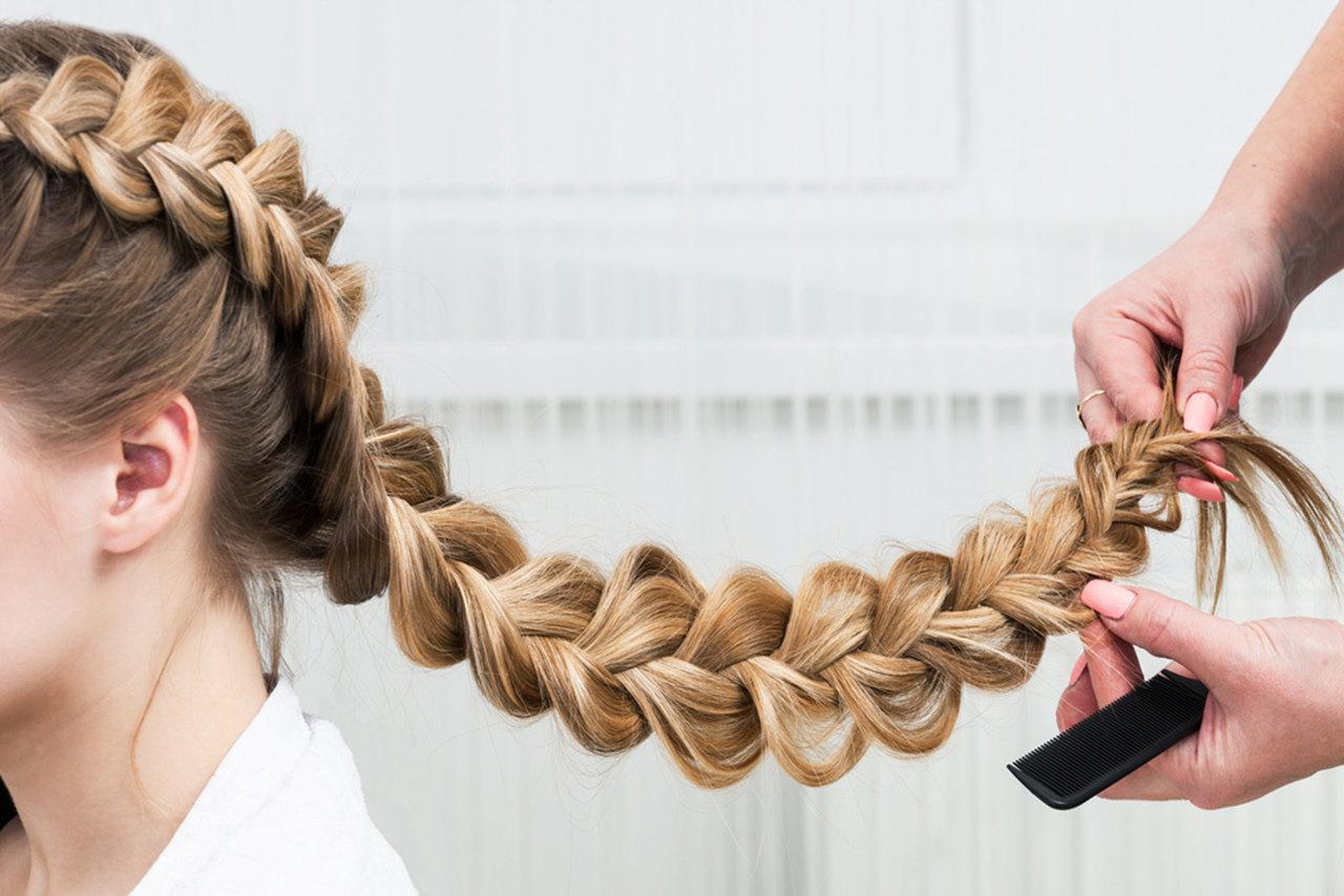 Warkocze - najmodniejsza fryzura sezonu