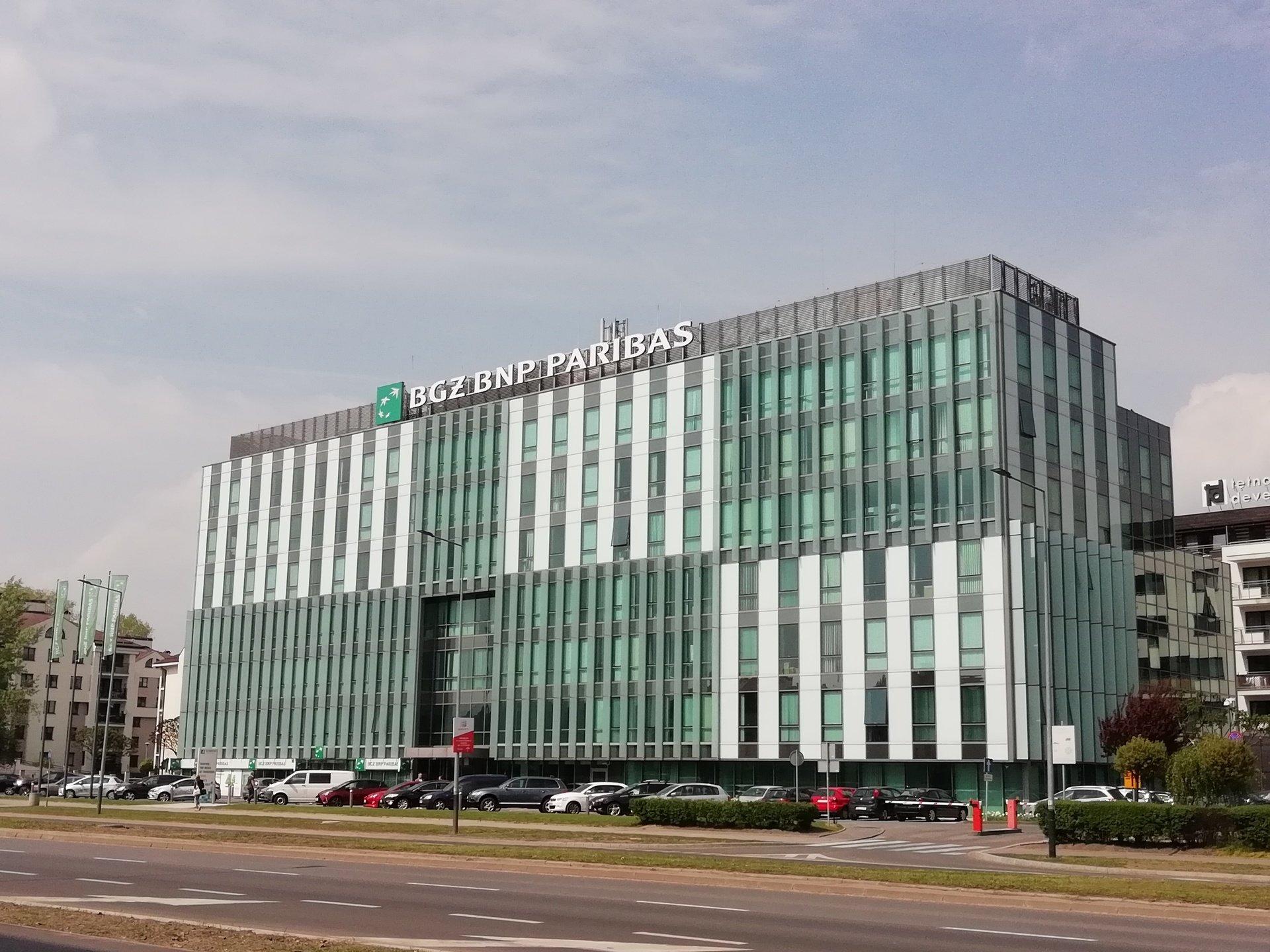 Bank BGŻ BNP Paribas na dłużej w Avatarze