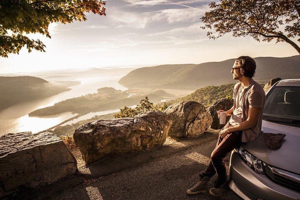 Sposoby na tanie podróżowanie. Jak spędzić wymarzony urlop za niewielkie pieniądze?