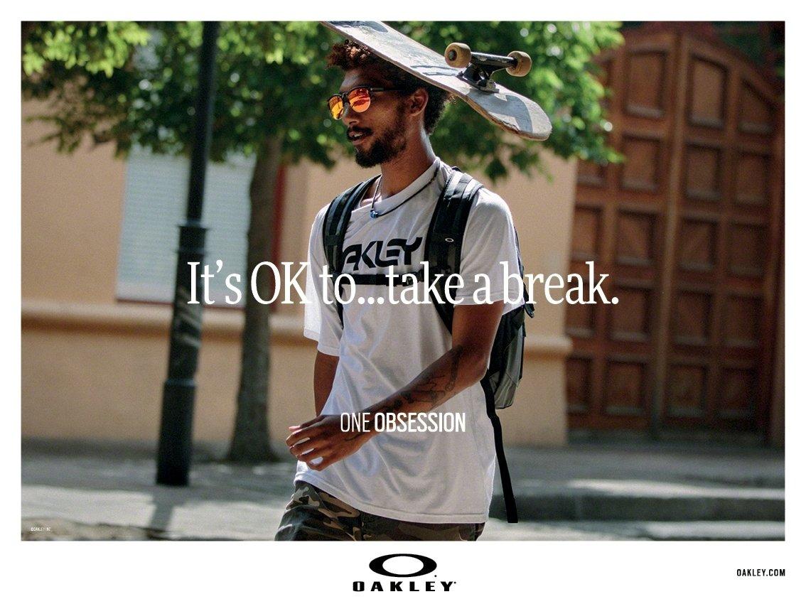 Oakley® to obsesja.  Kultowa marka wkracza w nowy sezon z odważną komunikacją.